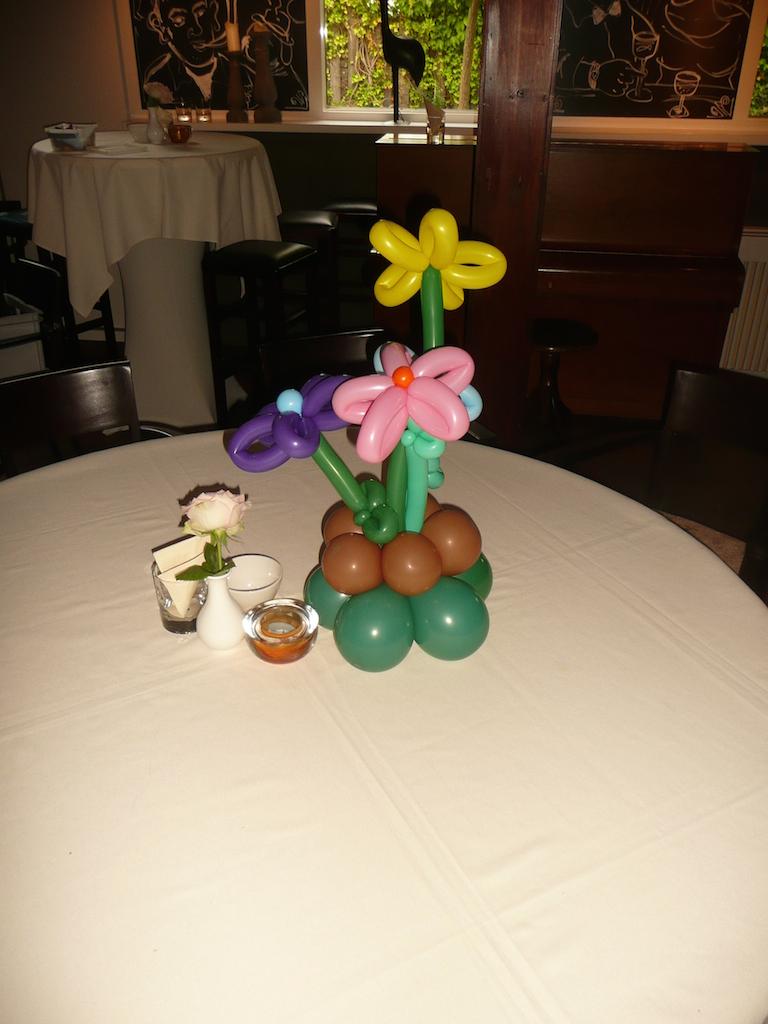 Tafeldecoratie om je feest meer sfeer te geven for Ballonnen tafels